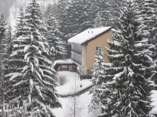 Hotel Permoník v zimě