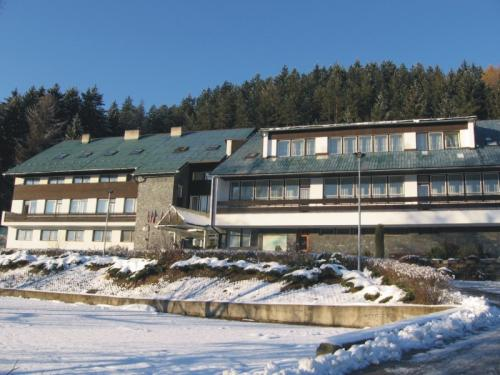 Hotel Permoník pohled v zimě 03