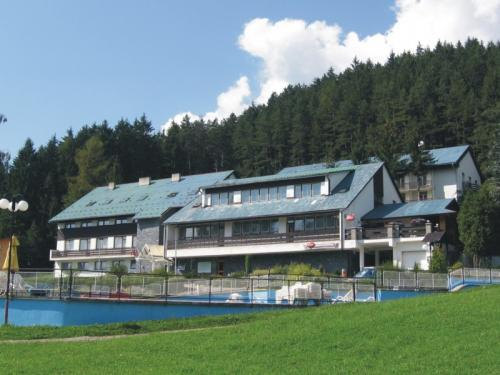 Hotel Permoník na jaře